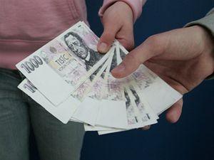 Skandál na Praze 1 - úřednik pronajímal chodníky na svůj účet